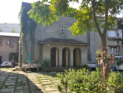 One of the many synagogues that used to exist in Bucharest, currently not in use